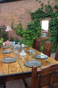 dining table2